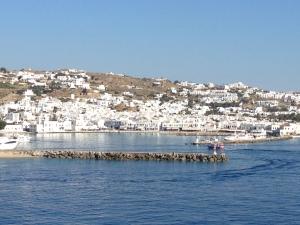 As we leave port a nice landscape of Mykonos.