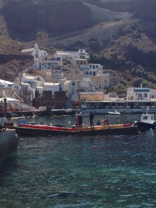 We drove down to the Ammoudi under the cliffs of Oia and saw this group of kayakers getting ready for a tour.