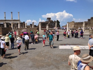 The main square of Pompei - The Forum.