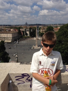 Here is Fred Hollywood on location at the overlook from Villa Borghese down to the Piazza di Popolo where according to Mauro Lucentini, Rome begins.