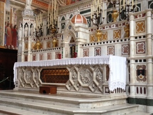 The altar of Santa Maria Novalla