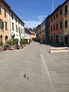 This is the main square of Gaiole in Chianti.  Small isn't it?