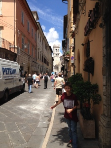 A street view of Assisi toward the main square.